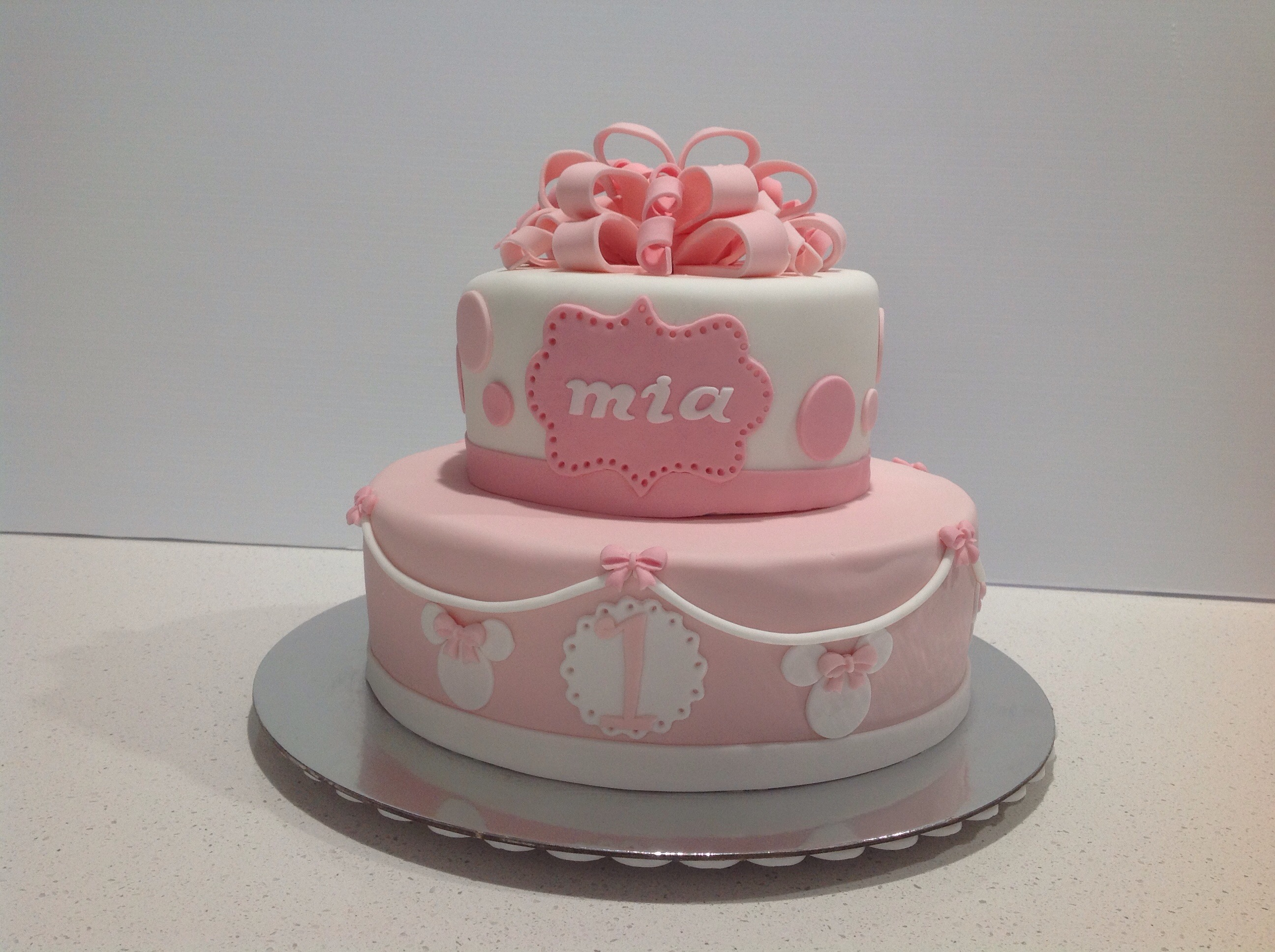 Pink And White Minnie Mouse Cake Posted In Kids Cakes By Coastal Design